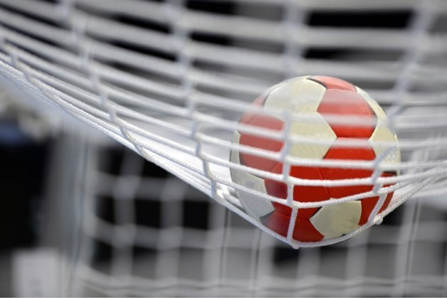 Handbalsters Venlo beslissen derby na rust