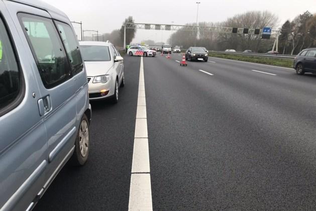 Verbijstering bij politie door slingerende dronkaard op autosnelweg: 'Nog nooit meegemaakt'