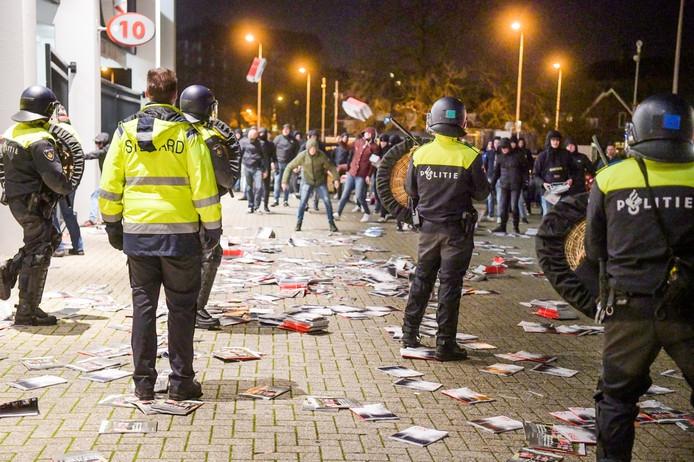 Bestorming PSV-stadion lijkt gecoördineerde actie: jonge, harde kern roert zich