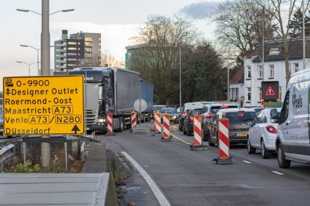 Provinciale weg Roermond bereikt nieuwe fase: even dringen over één rijbaan