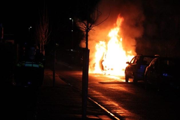 Auto gaat in vlammen op in Heerlen