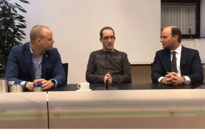 Jeroen regelt debat met Horster gemeenteraad voor mensen met een licht verstandelijke handicap