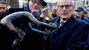 Wil van der Laan maakt bronzen beeld van wielrenner Jan Janssen