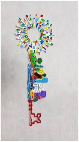 Aftrap songfestivalseizoen: Tel Aviv schenkt Rotterdam kleurrijke 'Legosleutel'