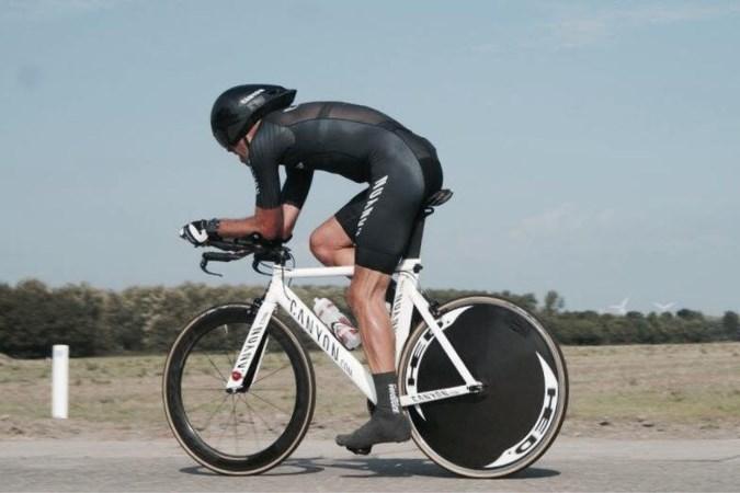 Tegenvaller Maastrichtse deelnemers triatlon Israël: fiets, loopschoenen én zwempak blijven achter in Nederland