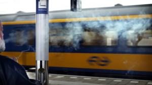 Alle treinstations worden dit jaar rookvrij