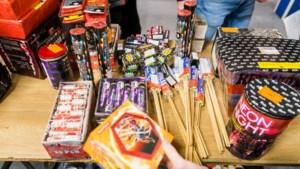 Vuurwerkbranche dreigt met rechtszaak na verbod: geen kans om van pijlen af te komen