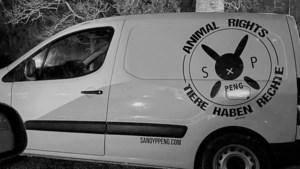 Boeren ongerust: politie neemt busje Animal Rights in beslag