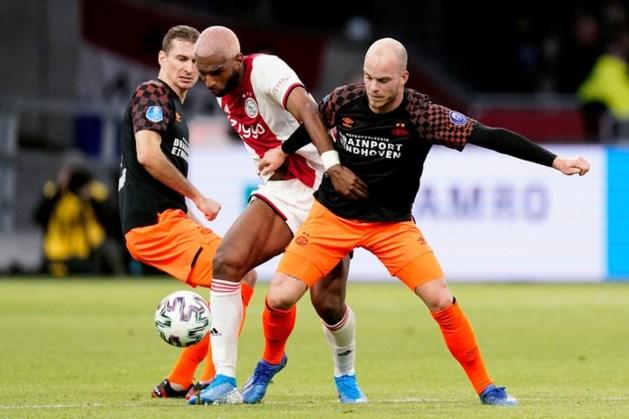 Ajax spaart PSV met magere zege, maar ziet ziekenboeg volstromen