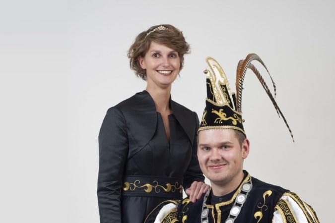 Prins Tim I Meekels en prinses Inge van de Louvermen uit Buchten werden vlak voor hun receptie 'ontvoerd'