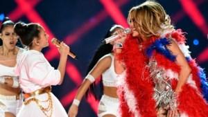 Dochter (11) J.Lo zingt mee in wervelende Super Bowl-show