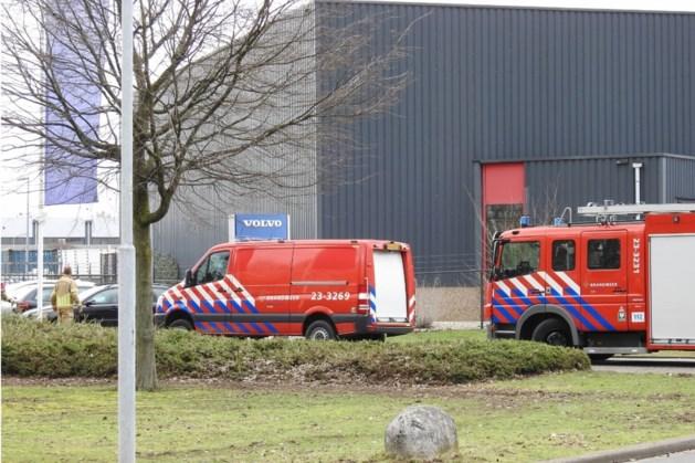 Autobedrijf Blerick ontruimd vanwege lek gevaarlijke stoffen
