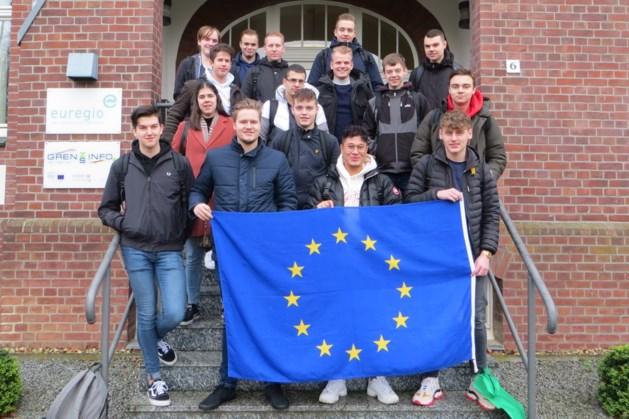 Leerlingen van Gilde Opleidingen uit Weert brengen bezoek aan Mönchengladbach