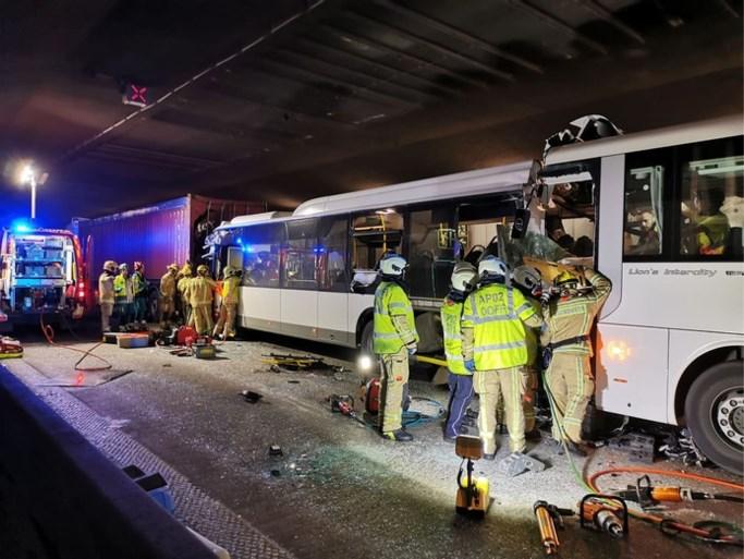 Ernstig ongeval in Antwerpse tunnel: 1 dode, 5 zwaargewonden en 44 lichtgewonden