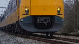Hinder voor treinreizigers tussen Weert en Eindhoven door beschadigde overweg