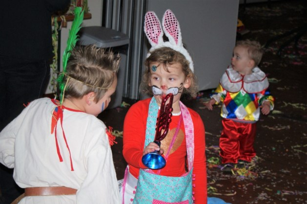Carnavalsactiviteiten bij Gemeenschapshuis 'Op d'r Plats' in Klimmen