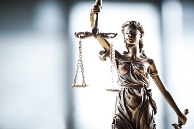 Standwerker krijgt twee jaar celstraf voor verkrachting zwakbegaafde marktbezoekster in Hoensbroek