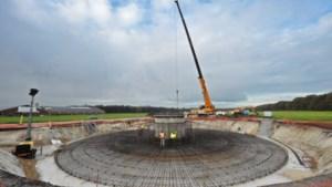 Unieke monsterklus: het vervoeren van immense wieken van windmolens Heibloem