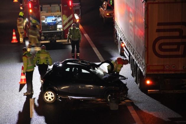 Twee ongelukken met vrachtwagens en auto's op A76 bij Spaubeek zorgen voor lange files: één slachtoffer naar ziekenhuis