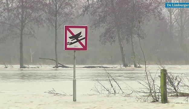 Video: Hoogwater zorgt plaatselijk voor wat hinder in Noord- en Midden-Limburg