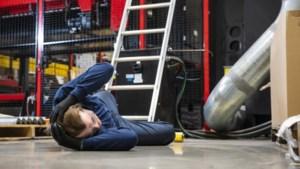 Wat als de stagiaire bij een bedrijfsongeval twee tenen verliest?