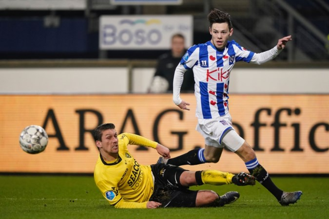 Chris 'Kamikaze' Kum lacht om kritiek op speelwijze VVV in Heerenveen