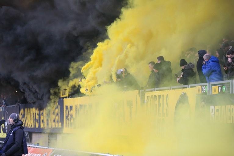 Stadionverbod voor 21 Roda-fans na vuurwerk bij derby