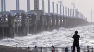 Oosterscheldekering gaat dicht: waterpeil verwacht van boven de drie meter