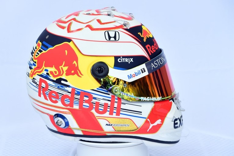 Video: Dit is de helm van Verstappen voor het nieuwe Formule 1-seizoen