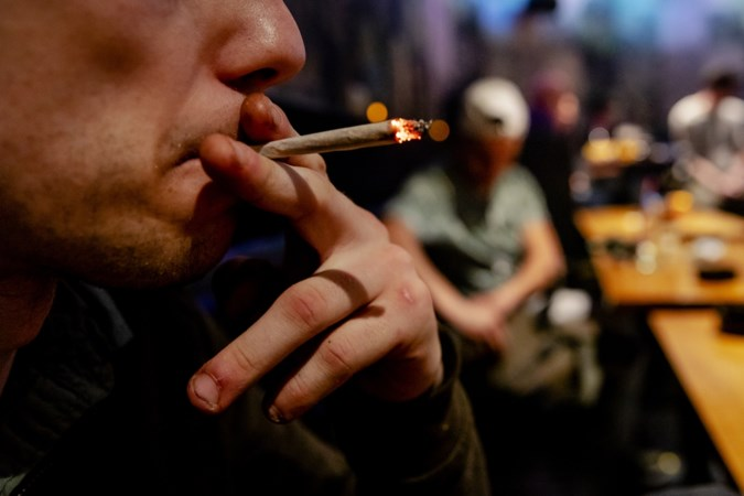 Zorgen bij Limburgse gemeenten om rookverbod in coffeeshops