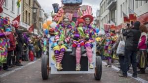 D'r Jroeëse Tsóg trekt carnavalsmaandag door Kerkrade