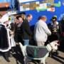 Blauw Sjuut bezoekt Geiteclub Iris 2 in Sint Joost en gemeentehuis in Echt