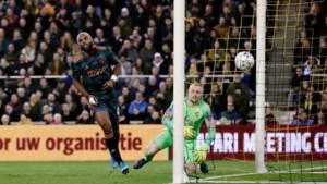 Ajax verslaat Vitesse en bereikt halve finale KNVB-beker
