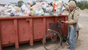 Geleense politica wil windmaatregelen tegen wegwaaiende vuilniszakken
