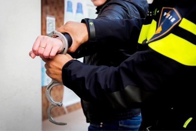 Vijf aanhoudingen in afpersingszaak en onderzoek naar vals geld