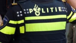 Explosie in postkamer bedrijf Amsterdam, vermoedelijk bombrief