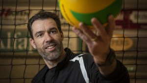 Volleybalcoach Bijsterbosch na dit seizoen weg bij vrouwenploeg Fast