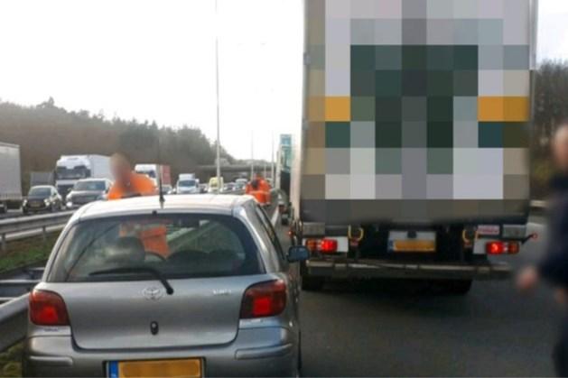 Heldhaftige trucker voorkomt ernstig ongeluk op snelweg