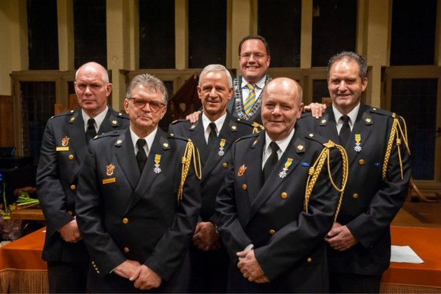 VVD en ChristenUnie: Brandweerlui verdienen wél lintje