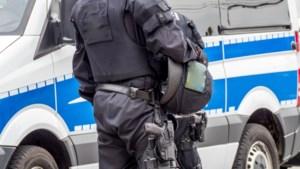 Razzia bij rechtse terreurcel Duitsland: twaalf arrestaties, één verdachte werkt bij politie