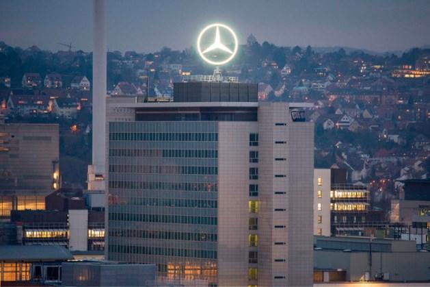 Brandgevaar: Mercedes roept bijna 300.000 auto's terug
