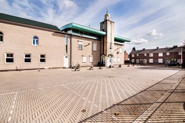 Video van vechtpartij in Maastrichtse El Fath-moskee 'viraal' via WhatsApp