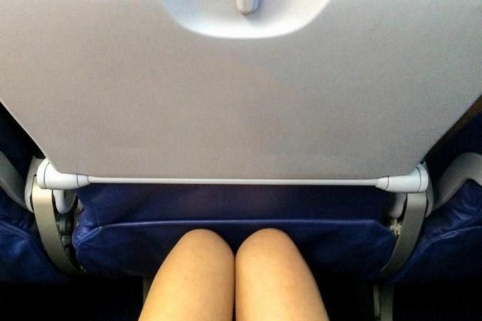 Ben je een aso als je in het vliegtuig je stoel naar achter klapt?