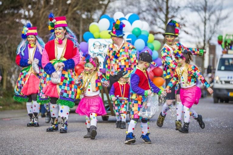 Bonte carnavalsoptocht trekt nu wel door 't Ven