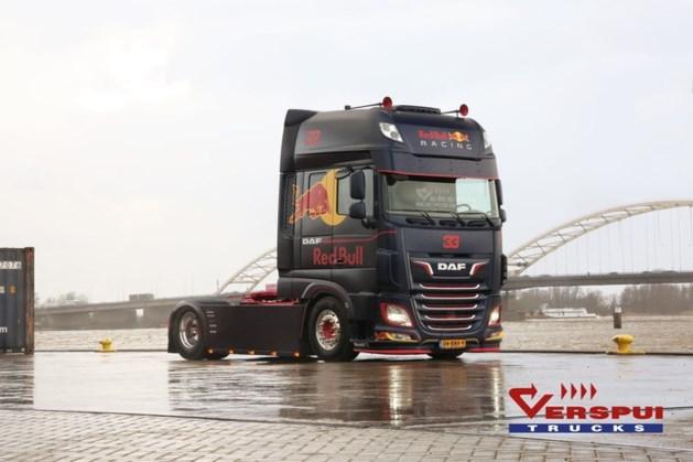 'Max Verstappen-trucks' uitgevoerd in kleuren van F1-bolide