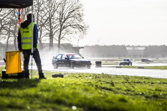 Valentijnsdrift op vliegveld Weeze: 'De kriebels verdwijnen, maar de kick van het racen blijft'