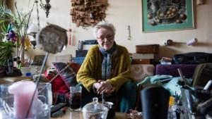 Cel voor overvallers die dreigden vingers bejaarde vrouw (89) af te knippen of in brand te steken