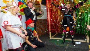Prins Neerbeek die van podium kukelde krijgt ludieke herkansing van proclamatie