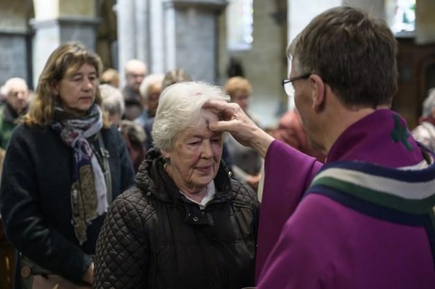 Askruisje halen in diverse kerken parochiecluster Kerkrade-West