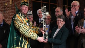 Onderscheiding 'De Tore' uitgereikt aan Gerrion Maassen uit Melick